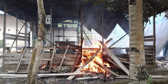 Masjid Ahmadiyah Dibakar Massa, Putri Gus Dur: Apa Praktik Ini Dibiarkan, Pak Jokowi?