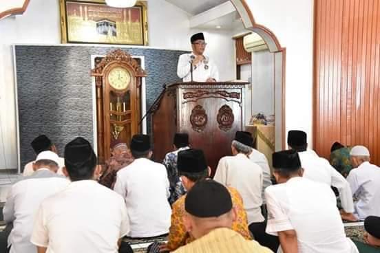 Usai Jadi Khatib Jumat,  Wawako Hendri Septa Serap Aspirasi Jamaah Masjid Al Hikmah Kuranji