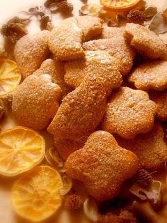 kruche ciasteczka, swieta, cynamon, miod, z miodem,