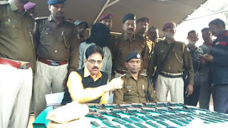 huge-arms-seized-dhanbad