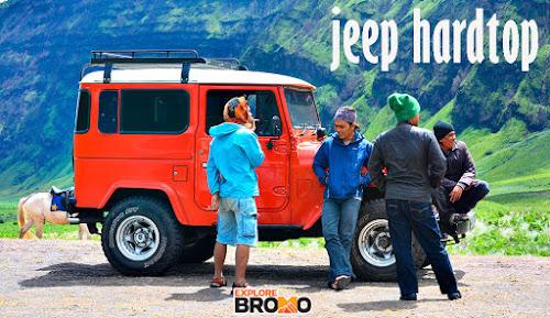 jeep hardtop tertutup di wisata bromo midnight jawa timur