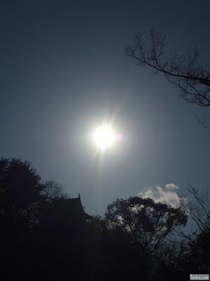 大阪城と太陽