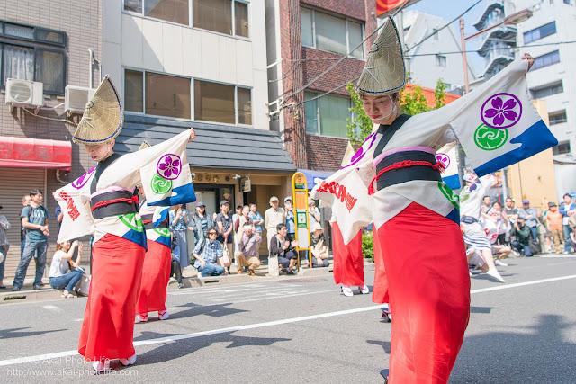 江戸っ子連、マロニエ祭り流し踊り中の演舞、女奴踊りの写真 その3