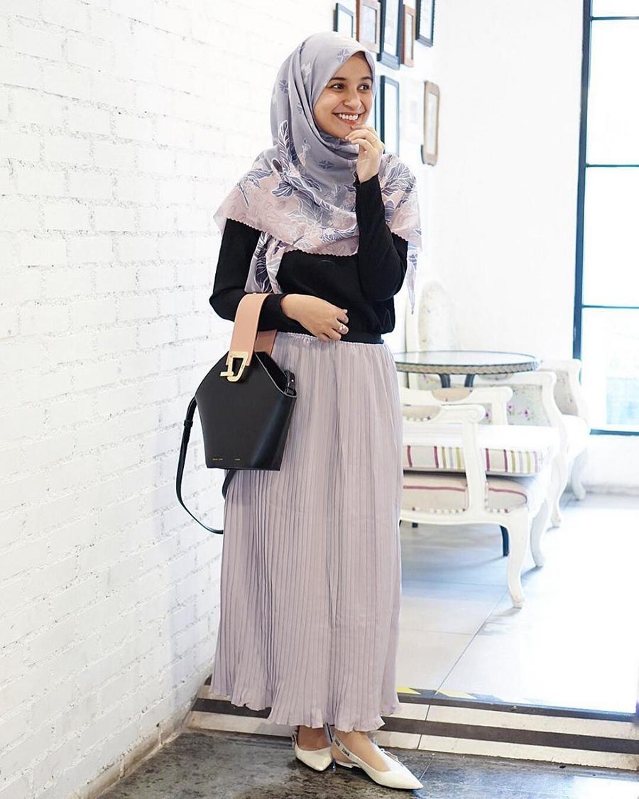 Shiren Sungkar artis jIlbab dan manis