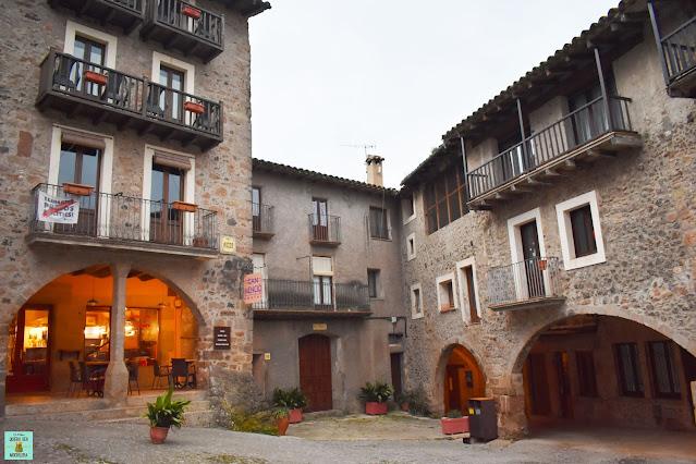 Plaza Mayor de Santa Pau, La Garrotxa