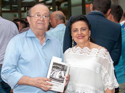 https://www.hugotaques.com/2019/08/coluna-fotografia-em-foco-jornal_75.html