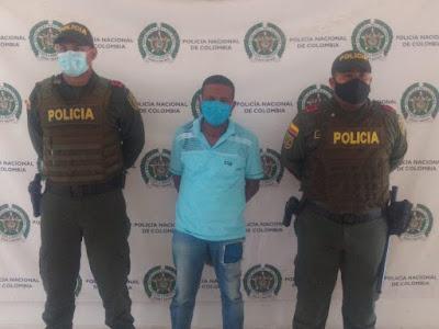 https://www.notasrosas.com/Capturado en Riohacha cuando huía, con 12 candados de una ferretería