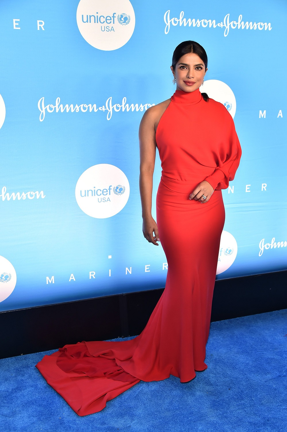 Priyanka Chopra showcases curves in stylish red gown as she's honored with humanitarian award at UNICEF Snowflake Ball in NYC