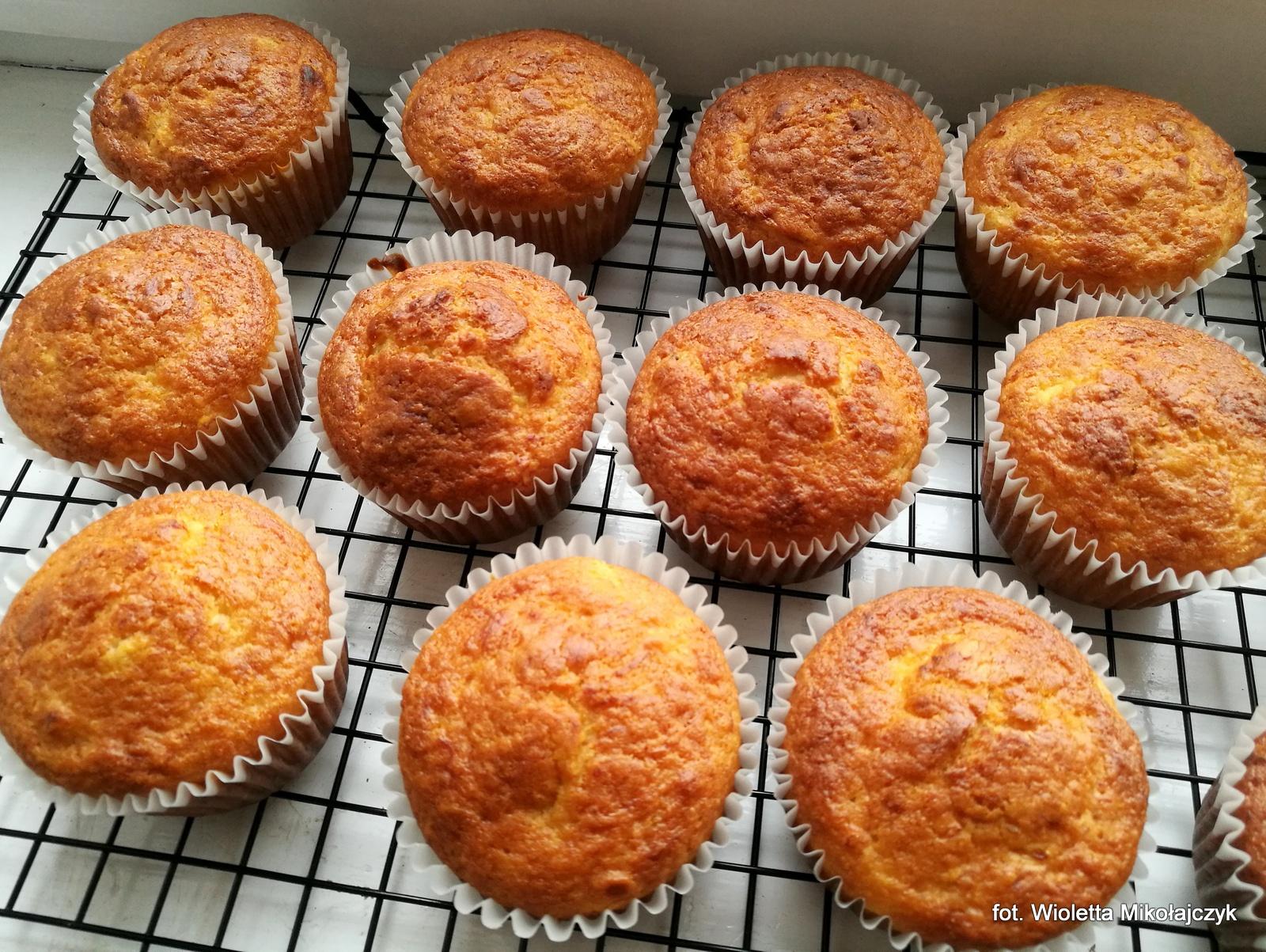 Proste muffiny bananowo-cytrynowe.