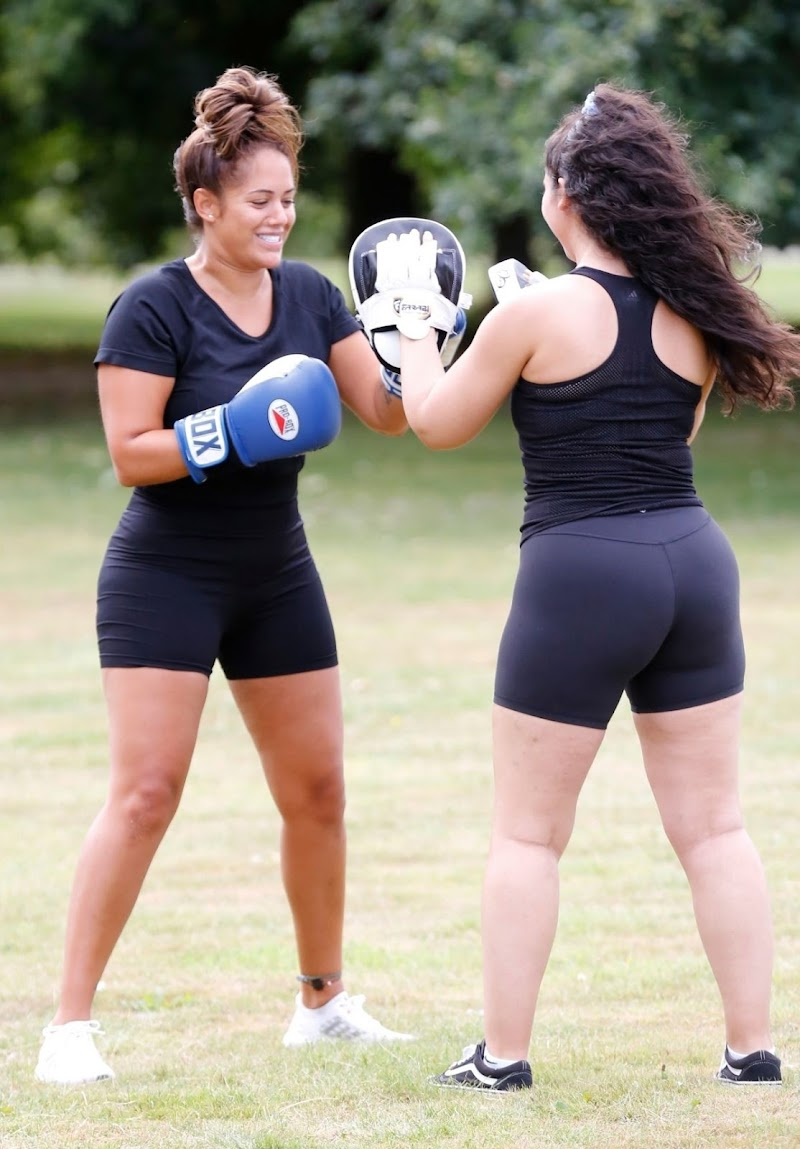 Malin Andersson  Workout with a Personal Trainer in London 7 Aug -2020
