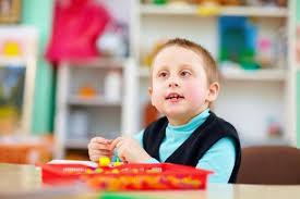 الخصائص العقلية والمعرفية والاجتماعيه  والانفعاليه  لطفل الاعاقه العقليه