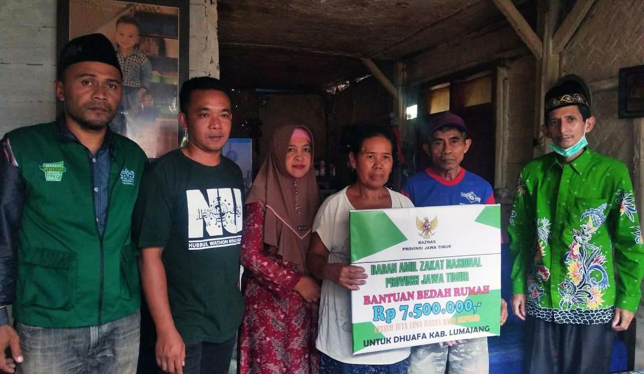 Baznas Berikan Bantuan Bedah Rumah untuk Empat KK