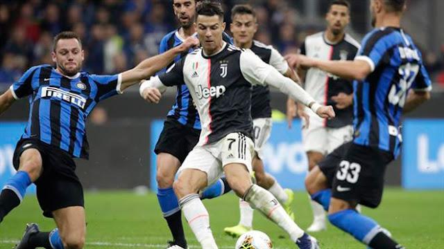 """Ronaldo hay nhất trận Inter - Juventus dù không ghi bàn, vẫn """"buồn"""" vì Messi"""