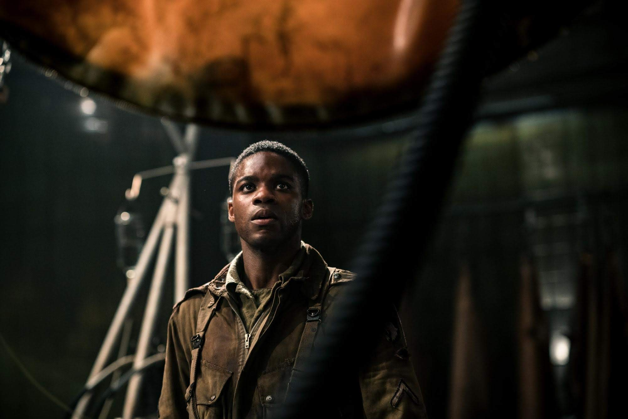 Box Office : 11月9日~11日の全米映画ボックスオフィスTOP5 - J・J・エイブラムス監督がプロデュースの戦争ホラー・アクション「オーバーロード」が、評論家とホラー・オタクからは共に絶賛の高評価を博すも、マニアック過ぎたネタが一般の観客にはウケず、期待値を下まわったガッカリの初登場第3位 ! !