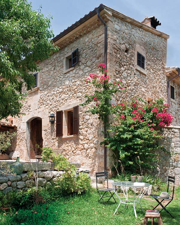 Mediterranean villa with stone facade | Mallorca Country House