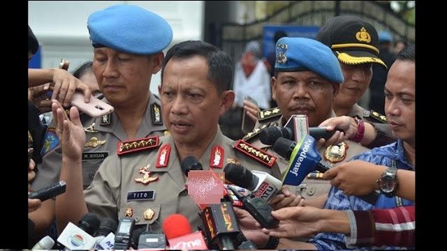 Misteri Penghadang Misterius Berkaos Putih Yang Melemparkan Tas Ke Rombongan Mobil Kapolri Jenderal Tito Karnavian di Senayan