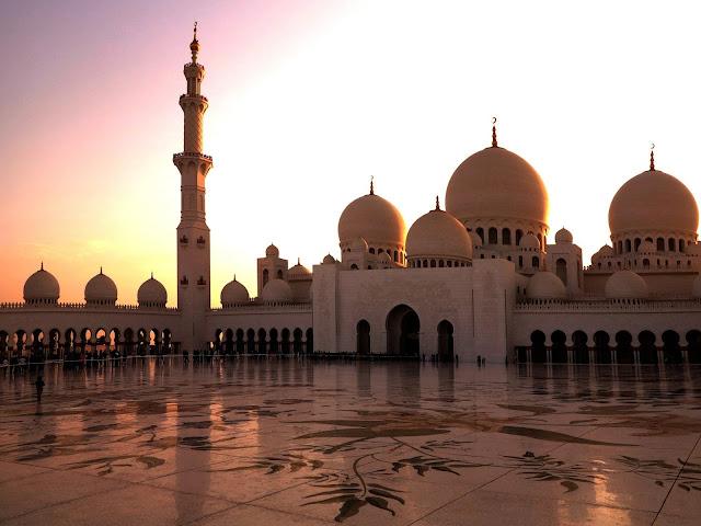 Masjid harus benar-benar bisa menjadi ruang interaksi apapun. Termasuk juga menjadi basis lahirnya Gerakan kemanusiaan di jalan