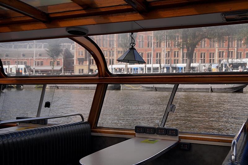 Amsterdam Reisetipps: Grachtenrundfahrt im Sommer