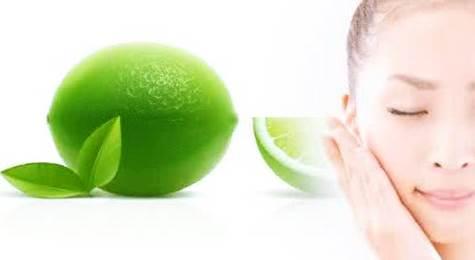 Gambar perawatan wajah agar bebas dari noda-noda flek hitam dan minyak dengan makser jeruk nipis