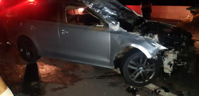 Carro bate de frente com cavalos e homem morre na BR-304, em Mossoró