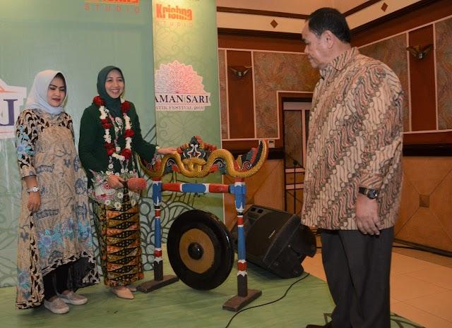 Ketua Persit KCK PD III/Siliwangi Resmikan Taman Sari Batik Festival Tahun 2019