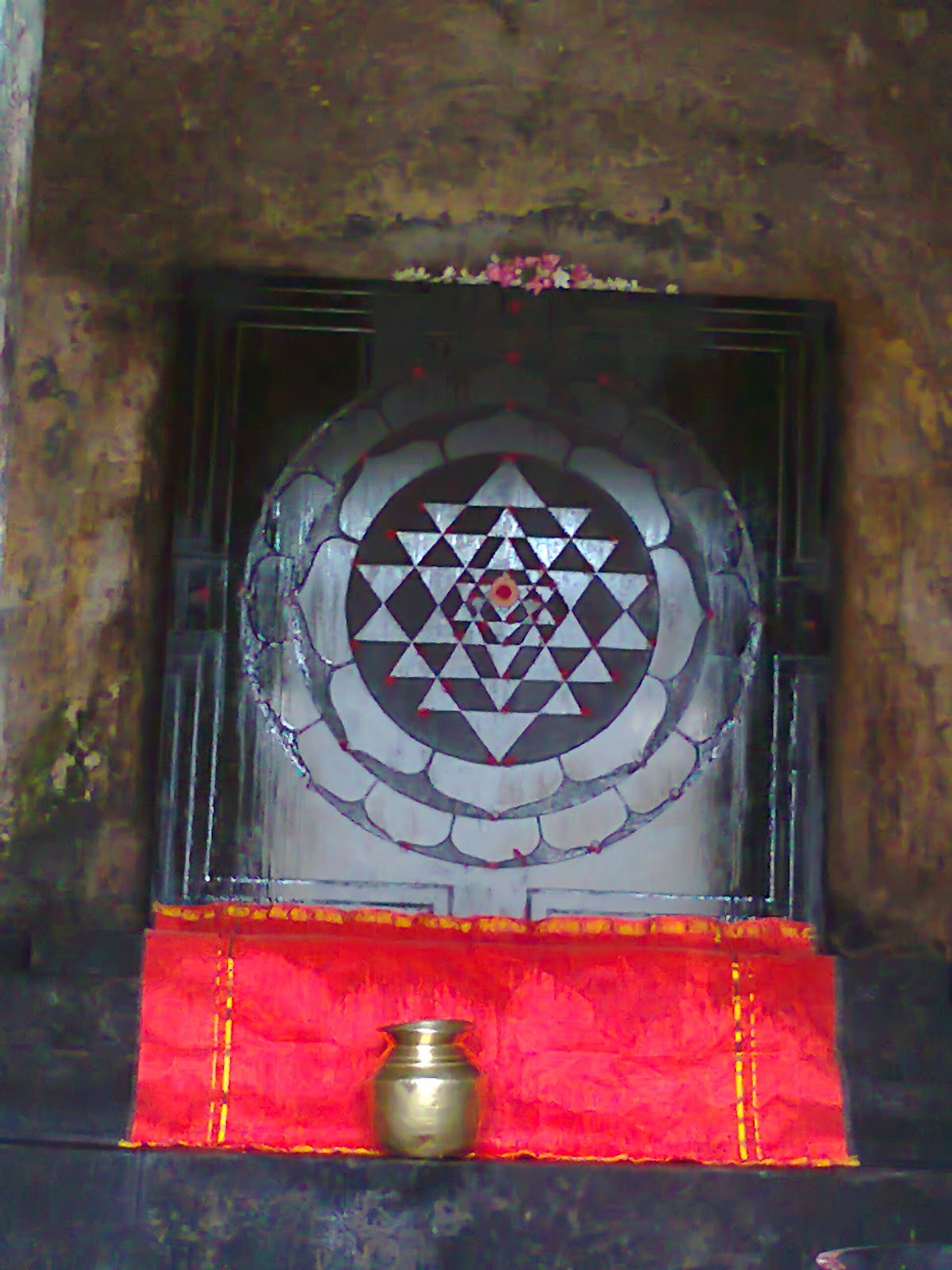 Life and Beyond: Authentic design of Shree Yantra