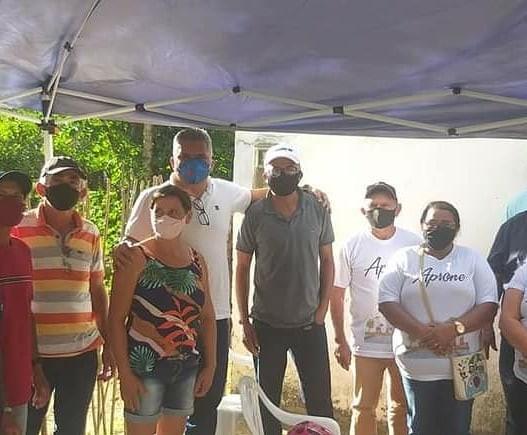 Dr. Rômulo participa de reunião com agricultores da associação rural Nova Esperança