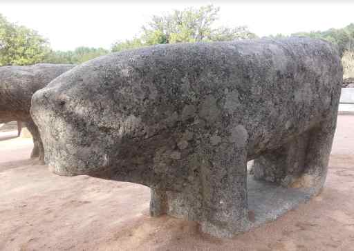 los toros de Guisando en El Tiemblo