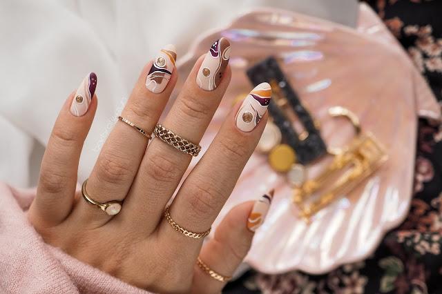 proste jesienne paznokcie