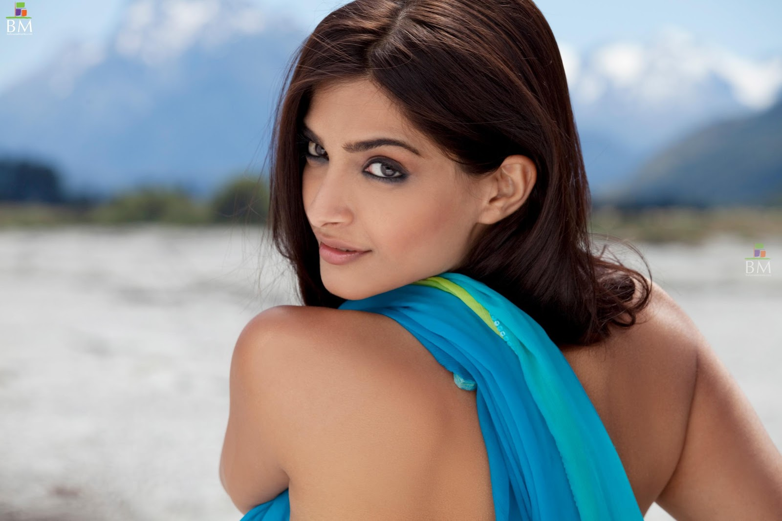 images of actress sonam kapoor