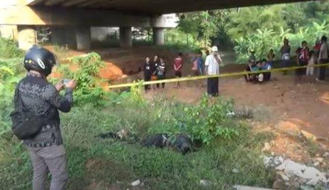 Mayat Laki-Laki Berseragam TNI Ditemukan Membusuk di Bawah Jembatan Tol Batang
