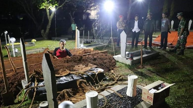 Syarat Mutlak yang Diajukan Habibie Saat Pemakaman Ainun