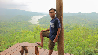 https://blogandel.blogspot.co.id/2017/11/pesona-obyek-wisata-bukit-cendana.html?m=1