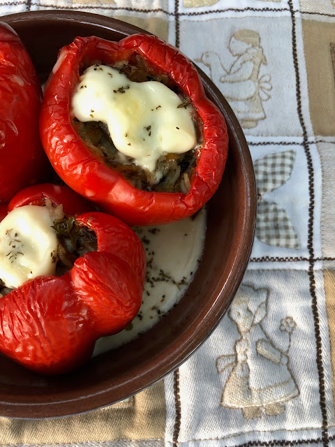 vegan stuffed peppers, meat-free dishes, meat-free Mondays