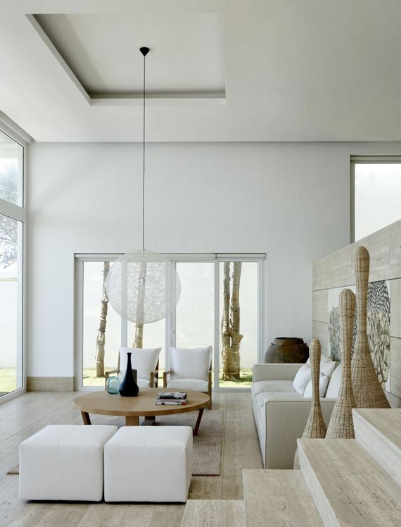 natural modern interiors: Modern Beach House :: Batangas, Philippines