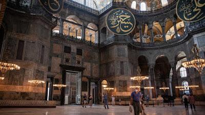 Salat Berjamaah di Hagia Sophia Menyelenggarakan Salat Jumat Berjamaah