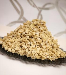 kayseri mantısı yapımı kayseri mantısı tarifi tepsi mantı çeşitleri mantı nasıl yapılır