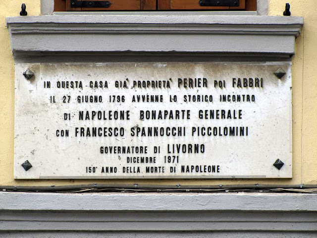 Napoleon-related plaque on a house in via Garibaldi, Livorno