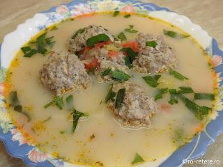 Ciorba de perisoare de porc reteta bors de casa cu carne tocata orez si legume retete supe ciorbe traditionale romanesti,