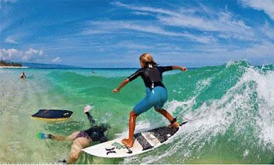 Dicke Frau am Strand surfen - Sommer lustig - Komische Egoisten