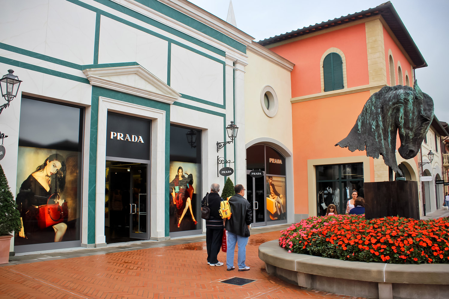 Outlet store shopping at Barberino Designer Outlet Florence - ANG ...