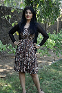 0013 WWW..BLOGSPOT Actress Preeti Bhandari Stills in Black Dress at Ooh La La La Movie Press Meet Picture Posters Stills Image Wallpaper Gallery