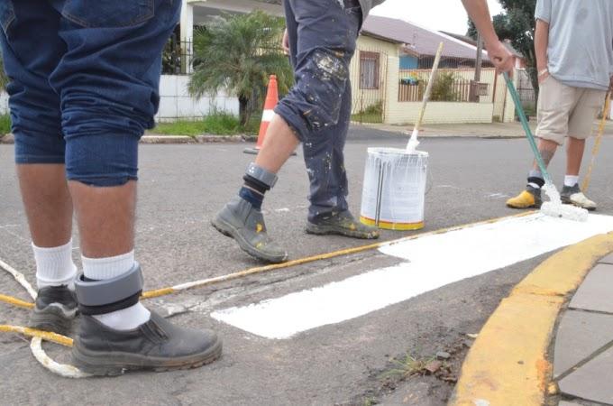 Apenados em regime semiaberto trabalham em obras públicas em Cachoeirinha