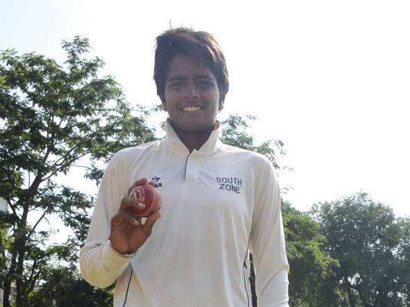भारत की तेज गेंदबाज अरुंधति रेड्डी तैयार और इंग्लैंड दौरे के लिए तैयार