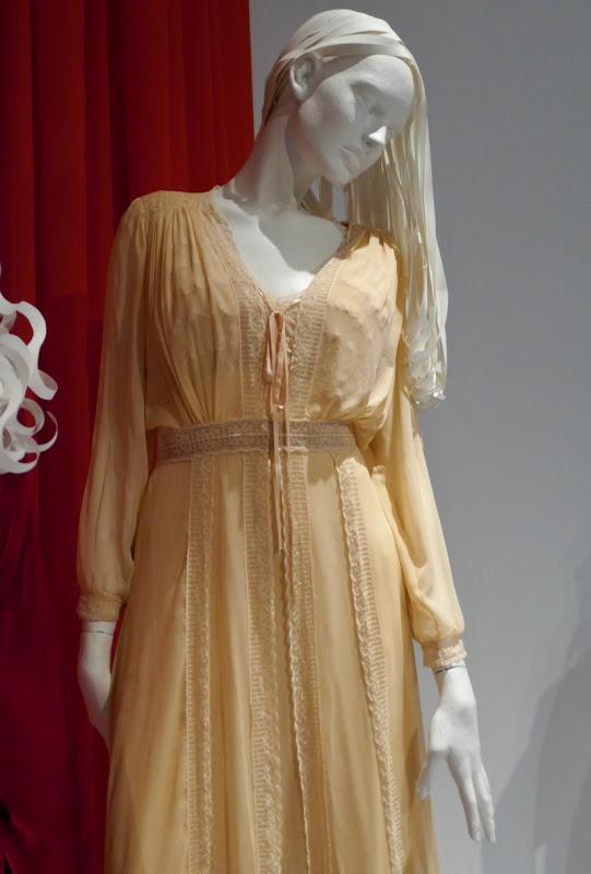 Victoria Pedretti Haunting of Hill House Nell costume