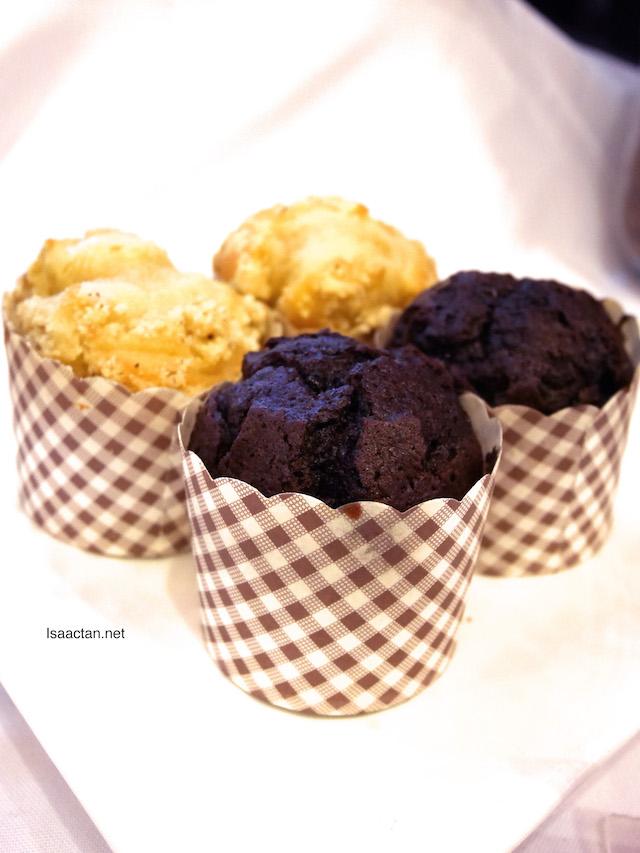 Vanilla & Chocolate Chip Muffins