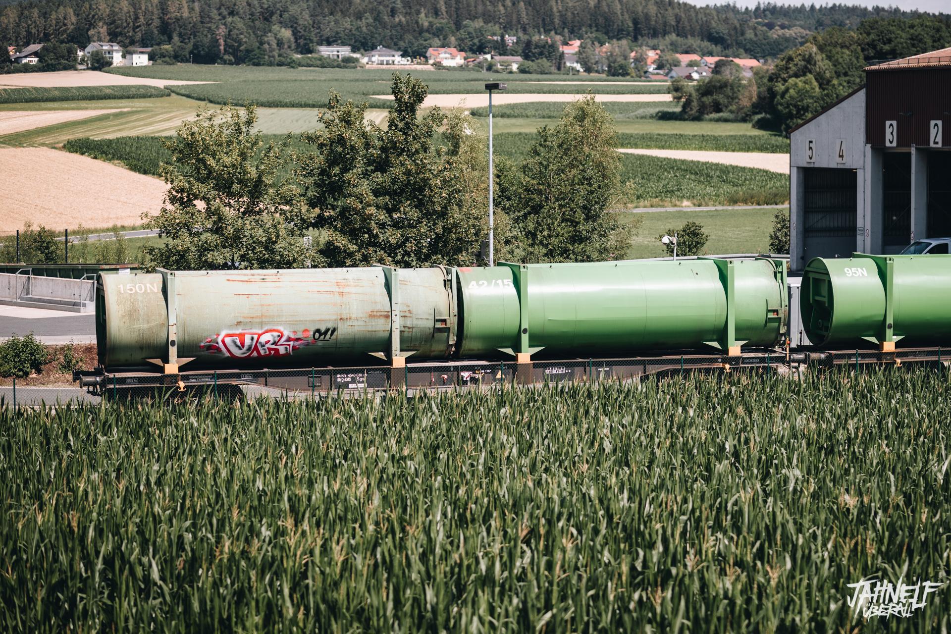 UR01 Graffiti auf einem Zug
