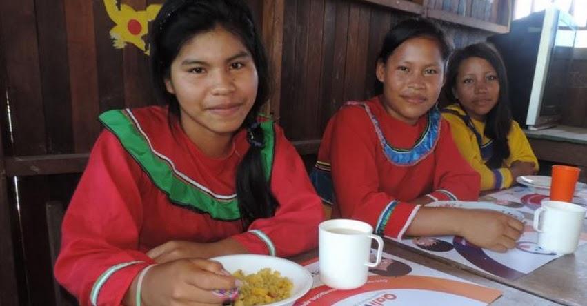 QALI WARMA: Más de 290,000 estudiantes de secundaria indígenas reciben servicio alimentario