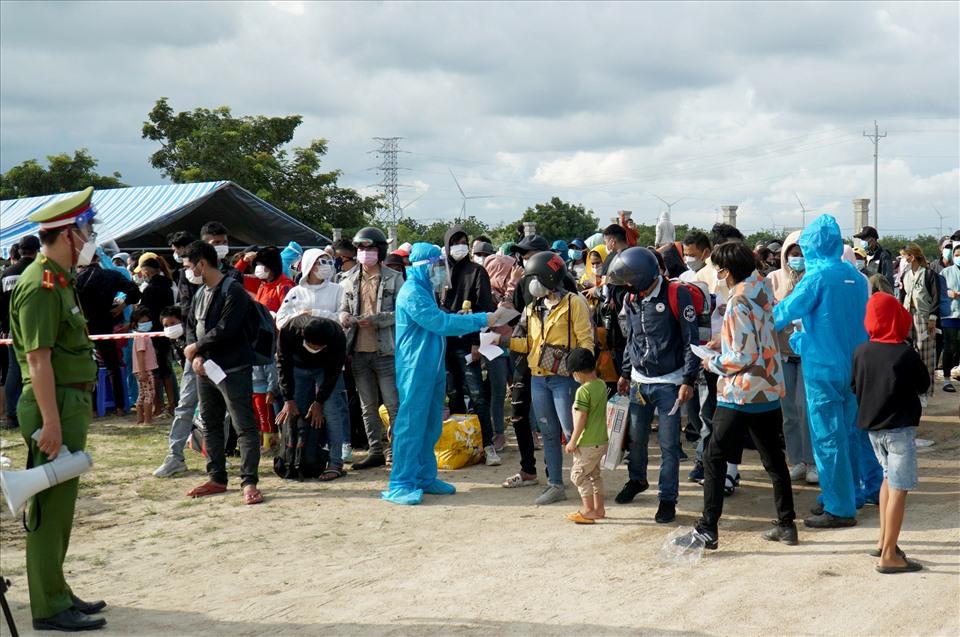 Ninh Thuận dừng lập hồ sơ xử phạt người dân về quê