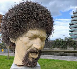 Best free things to do in Dublin: Luke Kelly Statue